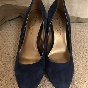 Jessica Simpson blue suede pumps (no platform)
